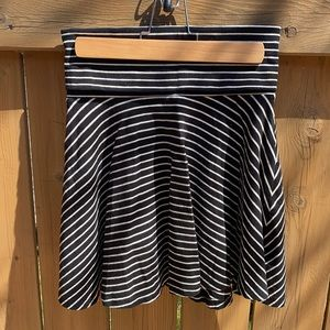 3/$30🌷American Apparel Circle Skirt Size M